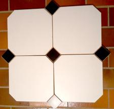 Holzfliesen, 8-eck, weiß mit schwarzen Quadraten (86 St. / über 7 qm )