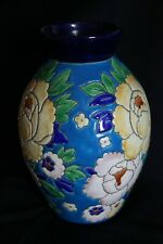 Vase  Charles Catteau Boch  décor D1651 Pivoines fond bleu 1930- 1940 Art Deco