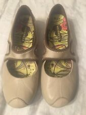 Merrell Womens 7.5 Performance Footwear Taupe Mary Jane Shoes Comfort Slip-On