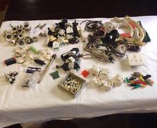 Lotto Di Vecchio Materiale Elettrico Misto In Porcellana, Gomma, E Plastica