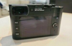 Leica 19050 Q2 Digital Camera - Black. MINT