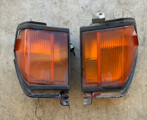 1984 1985 Toyota Celica Turn Signal Corner Parking Light Right Set Front