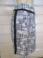 Review stylish black, grey & white straight skirt size 10 - 12 (US 6 - 8)