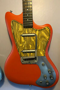 Danelectro Dead On 67 in great condition. Well set up instrument that plays well