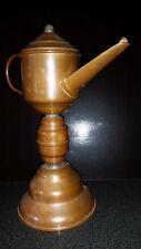 ANCIENNE LAMPE A HUILE A BEC CUIVRE ECLAIRAGE H 22 cm HAUTE A POSER AVEC ANSE