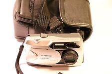 Cámara Digital Fujifilm 1400 Zoom 1.3MP - Gris metálico