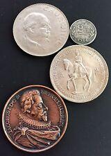 X4 Interessante UK & WWII Belgien Münzen & Medaillen (A42)