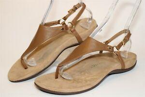 Vionic Womens 9 Wide 41 Kirra Leather Buckle Thongs Flat Comfort Shoes TVW5126