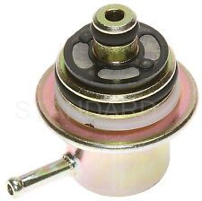 Walker Products 255-1089 Fuel Injection Pressure Regulator AUDI (4) 2000-06