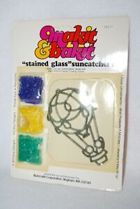 Vtg Makit & Bakit Hot Air Balloon Kit Ornament Suncatcher Form & Baking Crystals