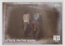 2016 Topps Walking Dead Season 5 #62 Attack On The Barn Non-Sports Card 2a1