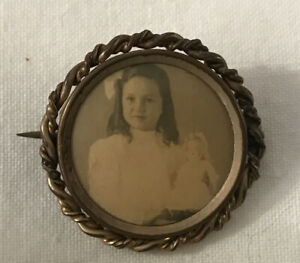 Antique MOURNING Photo Pin Back Button Brooch VICTORIAN CHILDREN Doll