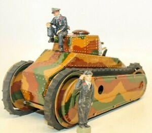 VINTAGE PRE-WAR LARGE MARKLIN CLOCKWORK RENAULT STYLE TANK W/ GERMAN CREW