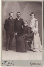 Portrait famille dans le studio de Fabre à Marseille Vintage argentique
