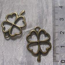 5 breloques metal couleur bronze 25mm x 17mm feuille trefle double face *J69