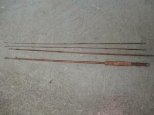 GREAT VINTAGE 4 PC BAMBOO FLY ROD - 2 TIPS