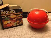 "Vintage Ingrid ""MOD"" Plastic Picnic Party Ball Retro Picnic Set  Service for 6"