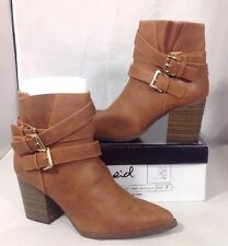 NEW QUPID Womens Boots Size 7 Faux Brown Leather Shoes Buckle Ankle Strap Heels