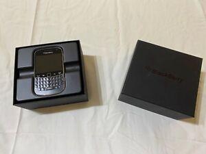 BlackBerry Bold 9900 - 8GB - Black Smartphone