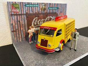 1/43 Lot diorama Coca-Cola + Galion plateau livraison Coca-cola+ 2 figurines TBE