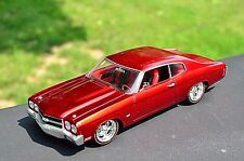 Hot Wheels Met Red 1970 Chevy Chevelle Limited Edition RR Redline Classics 1:18