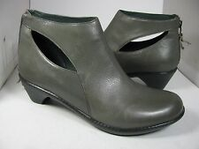 9.5-/ 40  NEW DANSKO Womens Bonita Back Zipper Ankle Bootie gray leather boots