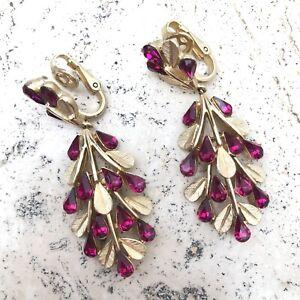 Crown Trifari Fuchsia Pink Crystal Bead Rhinestone Dangle Clip-On Earrings Vtg.