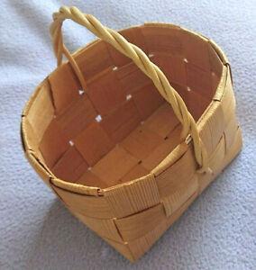 Small Finnish Vintage Woven Birch Bark Basket 1970's
