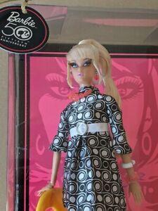 POP LIFE Barbie Blond NRFB Gold Label 2008