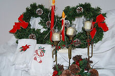 Christmas Wreaths, Candleholders and Hand Towels - XM574