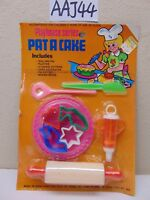 VINTAGE 1970'S TOY SET NOS-PAT A CAKE-TOYS N TRIMS INC. PLASTIC-BAKING SET RARE
