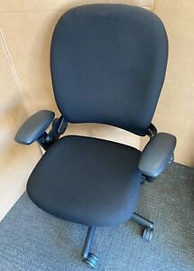 Superb Steelcase Leap V1 Newly Upholstered Task Operators Chair