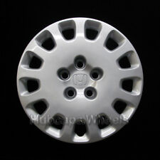 Honda Odyssey 16-inch hubcap 2002-2004 - Professionally Reconditioned