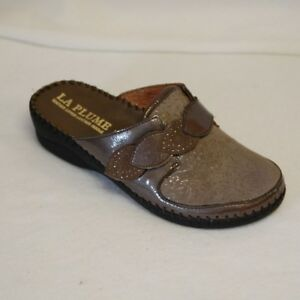 La Plume Garden Taupe Patent Leather and embossed suede slip on Eur 41