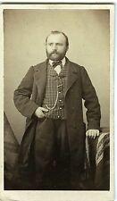 PHOTO CDV Dolard à Lyon vers 1855 vintage albumen un homme pose mode fashion