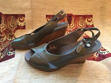 Clarks Brown Patent Wedge Peep Toe Size 5.5