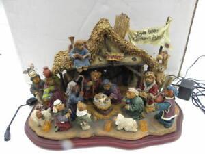 Danbury Mint Boyds Bears Lighted Christmas Nativity Pageant Sculpture w/Box
