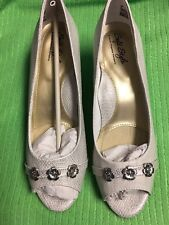 Womens/Ladies Hush Puppies Soft Style Adley White Snake Metallic Size 8M; NIB!