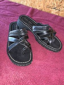 Comfort Plus by Predictions Black Toe Loop Strappy Sandals U.S. Size 10 Wide