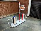 1:43 DINKY TOYS Fuel Pump Petrol Diesel Gas Station Esso 49D 0 Gauge Atlas