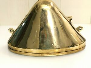 BRASS HALLWAY EXTERIOR WALL MOUNT LIGHT TRIANGLE FIXTURE NAUTICAL NEW 1 PIECE