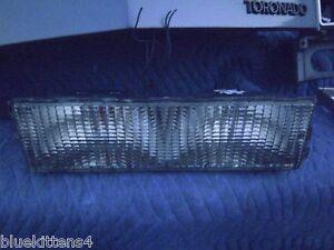 1982 1984 OLDSMOBILE TORONADO PARKING MARKER TURN LIGHT