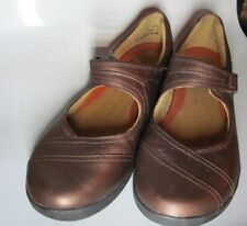 "COMFORTABLE BRONZE CLARKS ""UNSTRUCTURED"" MARY JANE'S SIZE 9 MEDIUM"
