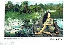 PUBLICITE ADVERTISING 1016  2011  Louis Vuitton (2p)  Angelina Jolie au Cambodge