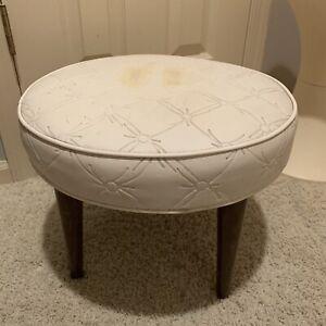 Vtg Mid-Century Modern Ottoman Footstool Tapered Legs White Vinyl Atomic