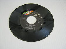 Newbeats RUN, BABY RUN/MEAN WOOLY WILLIE 45 RPM Hickory Records