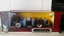 Ford Thunderbird Convertible 1955 Yat Ming 1:18