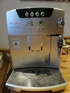 Delonghi Magnifica Esam04.120.S Kaffeevollautomat Kaffeemaschine