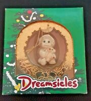 CHRISTMAS DREAMSICLES 1997 ORNAMENT 10199 GOLDEN WREATH NIB VINTAGE