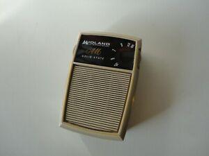 Midland International Solid State Pocket AM Transistor Radio 10-020 Vintage 1971